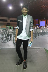 Alan John Rañada - Onesimus White Button Down, Oxygen Two Toned Blazer, Jeans, Boots - Farewell, seventh grade
