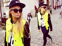Sylwia Gaczorek - Hazel21 Jacket, Hazel21 Snapback, Nounou Sweatshirt, Converse Shoes, Vero Moda Pants - Rays of the sun