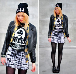 "Paula Ilona Viktoria - Gossengold Beanie, Cubus Cross Necklace, 2nd Hand Leather Jacket, 2nd Hand Flannel Shirt, 2nd Hand ""Jesus Is My Homeboy"" T Shirt, 2nd Hand Acid Wash Skirt, 2nd Hand Heels - HIGH HOMIE."