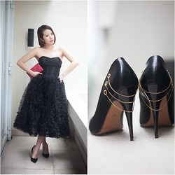 Canria Caselli - Preloved Popup Satin Black Heels, Preloved Popup Black Dress, Prada Clutch - LET'S BE THE DIVA