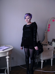 Koraline M - Pimkie Ramones T Shirt, Lindex Black Jumper, Takko Black High Waisted Shorts, 666.Cz Tights - Birthday outfit