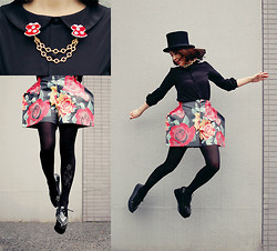 Shan Shan - Tinytoadstool Collar Cilp, Comme Des Garçons Pants, Bebaroque Tights, Jeffrey Campbell Shoes - Floral pants
