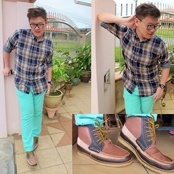 Alvin Isaac Chan - Marc By Jacobs Reader's Glass, Topman Shirt, Asos Chinos, Asos Mid Boots, Marc By Jacobs Watch - Mint Green