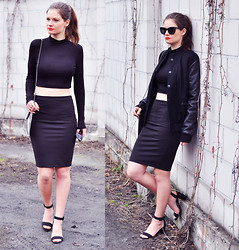 Aurelia K. - Zara Sandals, H&M Bomber Jacket, Stradivarius Skirt - All black