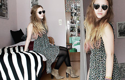 Julia Lovegood - Urban Outfitters Heart Glasses, H&M Leopard Dress, Second Hand Italian Leo Shoes - *leolove*