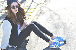Sophie R. - Urban Outfitters Sunnies, Asics Sneakers - Baby i got that