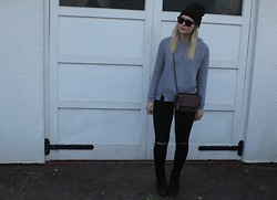 Natalie H - Topshop Hat, Whistles Jumper, Topshop Jeans, Topshop Boots, Cos Bag, Ray Ban Sunglasses - Ripped Jeans