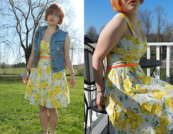 Jakki DesLauriers - American Eagle Denim Vest, Bootlegger Yellow Rose Dress, There Are Navy Blue Keds Down There - How to dress down
