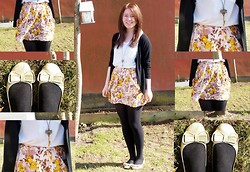 Emma Jensen - H&M Flower Skirt, Gold Shoes, Pieces Key Necklace, Pieces White T Shirt - Let's go get away