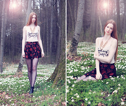 Yasmin Natascha - Urban Outfitters High Waist Skirt, H&M Tank Top, H&M Necklace - White Flower Forest // diamonddesigndiary