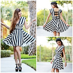 Eteclea E - In Love With Fashion Striped Dress, Das T Strap Shoes - Stripe that!