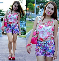 Julie Lozada - Top, Pink Fashion Short, M+Y Shoes, Random Shop Bag - Flower Pop