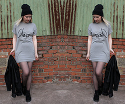 Belinda C - Illustrated People Tshirt, New Look Creepers, Ebay Beanie, Topshop Leather Jacket - Casual Chaos