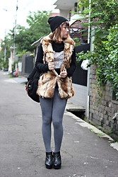 Aiiness .com - M)Phosis Beanie Hat, Noise Tiger Long Sleeve Shirt, Pull & Bear Fur Vest, Topshop Leather Boots - Tiger Brave