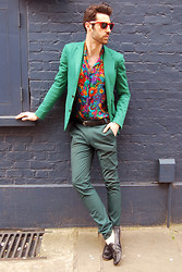 Adrian Cano - Green Blazer, Flower Shirt, Green Trousers - Lille