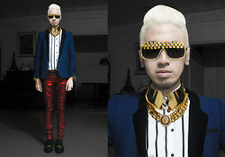Andre Judd - Glamgoddess Gold Flowers And Crystals Embellished Frames, Ramp Gold Choker Plate With Lock, Glamgoddess Gold Chain Necklace, Zara Tuxedo Blazer, The Nerve Clothing Red Metallic Jeans, Pyrite With Gold Cuff - IRON MAN