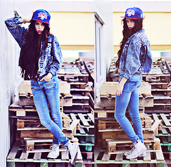 Caroline Roxy - Converse, Snapback Nba, Chicy Studded Jacket - I like to do it my own way // thecaroline.se