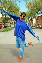Sofia Vagueiro - Etxart&Panno Leather Wedges, Salsa Jeans Denim Boyfriend, Mango Blue Klein Jumper, Jimmy Choo Star Studs Sunglasses - Me, my boyfriend and Klein!