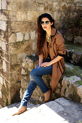 Anoushka P - Debenhams Trench Coat, New Look Neon Necklace, Abercrombie And Fitch Jeans, Singapore Pumps - Dubrovnik