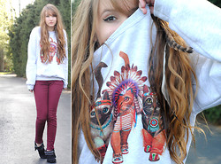 Lauren Oberlin - Skip N' Whistle Indian Cats Sweatshirt, H&M Burgundy Skinnies, Rock & Candy Moccasin Booties - NATIVE