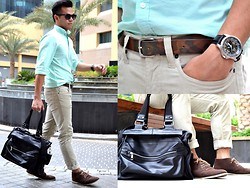 Paul Ramos - Ray Ban Wayfarer, American Eagle Outfitters Mint Green Oxford, Aeo Chalk Corduroy, Zara Camouflage Skinny Belt, Guess? Classic Wrist Notch, Splash Black Patent Murse, Ek Shoes Brown Suede Ankle Boots - Urban Attitude