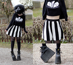 Panda . - Smk Top, H&M Skirt, Buffalo Shoes - 13-04-27