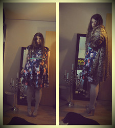 Celina E - Lindex Flower Dress, ?? Fake Fur, Kappahl Stockings, Forever 21 Heeled Loafers, ??? Mint Belt - Lotus flower