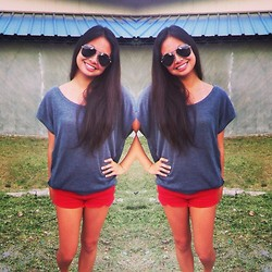 Lea Esguerra - Topshop Red Maong Shorts, Grey Top, Ray Ban Aviator - Red