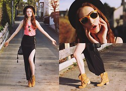 Ola Ci - Giant Vintage Sunglasses, H&M Tank Top, Rare London Maxi Skirt, Studded Bag, Ankle Boots, Round Hat - Mexico