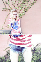 Alissa L - American Flag Tee, Romwe Frayed Hem Shorts - THE LAST LOST CONTINENT