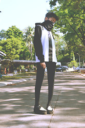 Hugo Salvador - Gold Dot Hayden Top, H&M Hoodie, T.U.K B&W Leather Mondo Sole Creepers - Coup de grâce