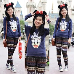 Bernice Angelica Sy - H&M Daisy Duck Sweater, Thrifted Printed Leggings, Converse Chucks, Thrifted Bag - Disneyland