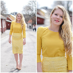 Emilie Froyland - Asos Yellow Textured Skirt - Falling