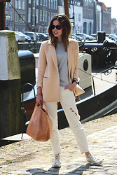 Christine R. - Olive Clothing Blazer, Cos Bag, Converse All Stars - Casual and light