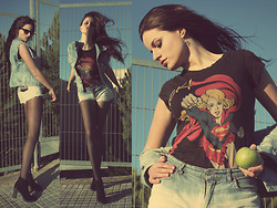 Curious Attitude - Pull & Bear Supergirl, Primadonna Boots, Vintage Diy, Vintage Diy - OUTFIT: SUPERGIRL!!