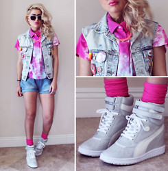 Bebe Zeva - Miharayasuhiro My 66 In Heel Trainers, Vintage Acid Wash Button Up, Yes Style Denim Shorts - JUST KICKIN' IT