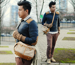 ALLEN M - Topman Sweater With Shoulder And Elbow Pads, Topman Inner Shirt, Camera Bag, Zara Knitted Gloves, Topman Chinos, Topman Chukka Boots - KOLN // ALLENation