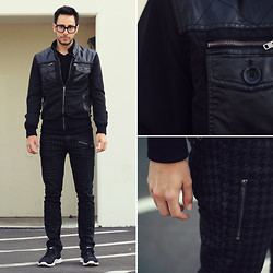 Reinaldo Irizarry - Forever 21 Jacket, H&M V Neck Shirt, Hot Topic Houndstooth Jeans, Nike Sneakers, Tom Ford Glasses - NOIR NATURALS