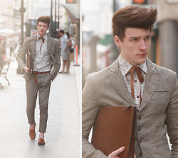 Zoltán Szilágyi - Zara Linen Blazer, Self Made Ribbon Tie, River Island Shirt, Zara Clutch, American Apparel Vintage Watch From, H&M Bracelets, H&M Braided Leather Belt, H&M Chinos, Lock Leather Moccasin - With empty words