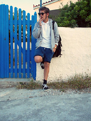 Simon Pap - Vans Shoes, Fred Perry Polo - The Blue Door