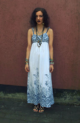 Poppy Lee Jones - Thrifted Maxi Dress, Vagabond Sandals -  freedom that's just some people talking - GIVEAWAY!