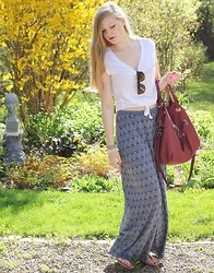 Sydney Hoffman - Gentlefawn, Ray Bans, Jacob, Cocoa Jewelry, Aldo - Maxi Skirt