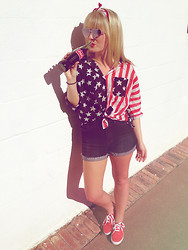 Whitney Paige - Urban Outfitters American Flag Bandana, Bdg American Flag Shirt, Bdg High Waisted Shorts, Urban Outfitters Red Sneakers, Urban Outfitters Heart Shaped Sunnies - American Woman