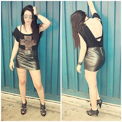Raquel Tamiette - C&A Leather Skirt, Cross Shirt, Ankle Boots - How she rolls
