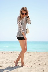 Raspberry & Rouge - Lna Clothing Top, Citizens Of Humanity Shorts, Zara Bag - BEACHTIME