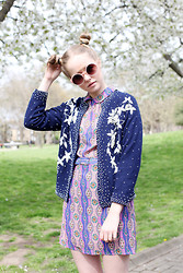 THE WHITEPEPPER - The Whitepepper Vintage Sequin Cardigan, The Whitepepper Vintage Style Round Sunglasses Pink - Summer Prints