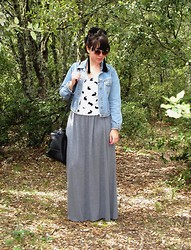 Charlotte Bernard - Miss Selfridge Jeans Jacket, H&M Maxi Skirt, Bershka Bag, H&M Little Rabbit - Petits lapins
