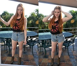 Gabi Gold - Red Hot Chilli Peppers Top, The Lot High Waisted Shorts - Red Hot.