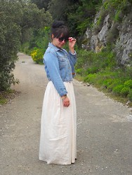 Charlotte Bernard - Miss Selfridge Jeans Jacket, Jennyfer Nude Maxi Dress, H&M Sunglasses - Au bord du lac..