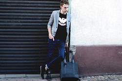 Adam G. - Heavyduty Shoes, Pull & Bear Jeans, Play.Work.Create Bag, House Blazer, 5preview T Shirt, Poszetka - Safest...
